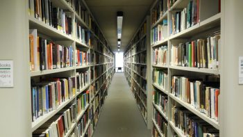 Social_Science_Library_shelving