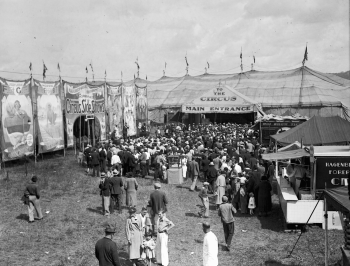 Circus_Midway_Scene_WDL10698