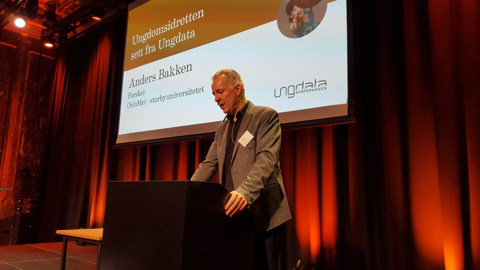 Bilde av Anders Bakken under Ungdata-konferansen i Oslo