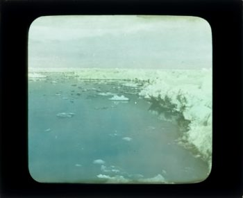 _Veslekari-ekspedisjonen_,_1928._Landskap_med_is_-_no-nb_digifoto_20160121_00007_bldsa_veslekari_p07